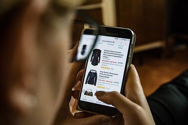 Online shopping naberá na popularite