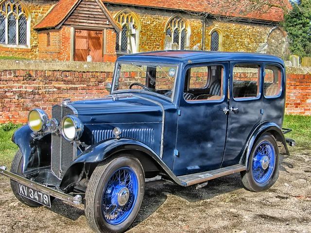 Historické vozidlo.jpg