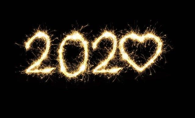 Ohňostroj s logom nového roka.jpg