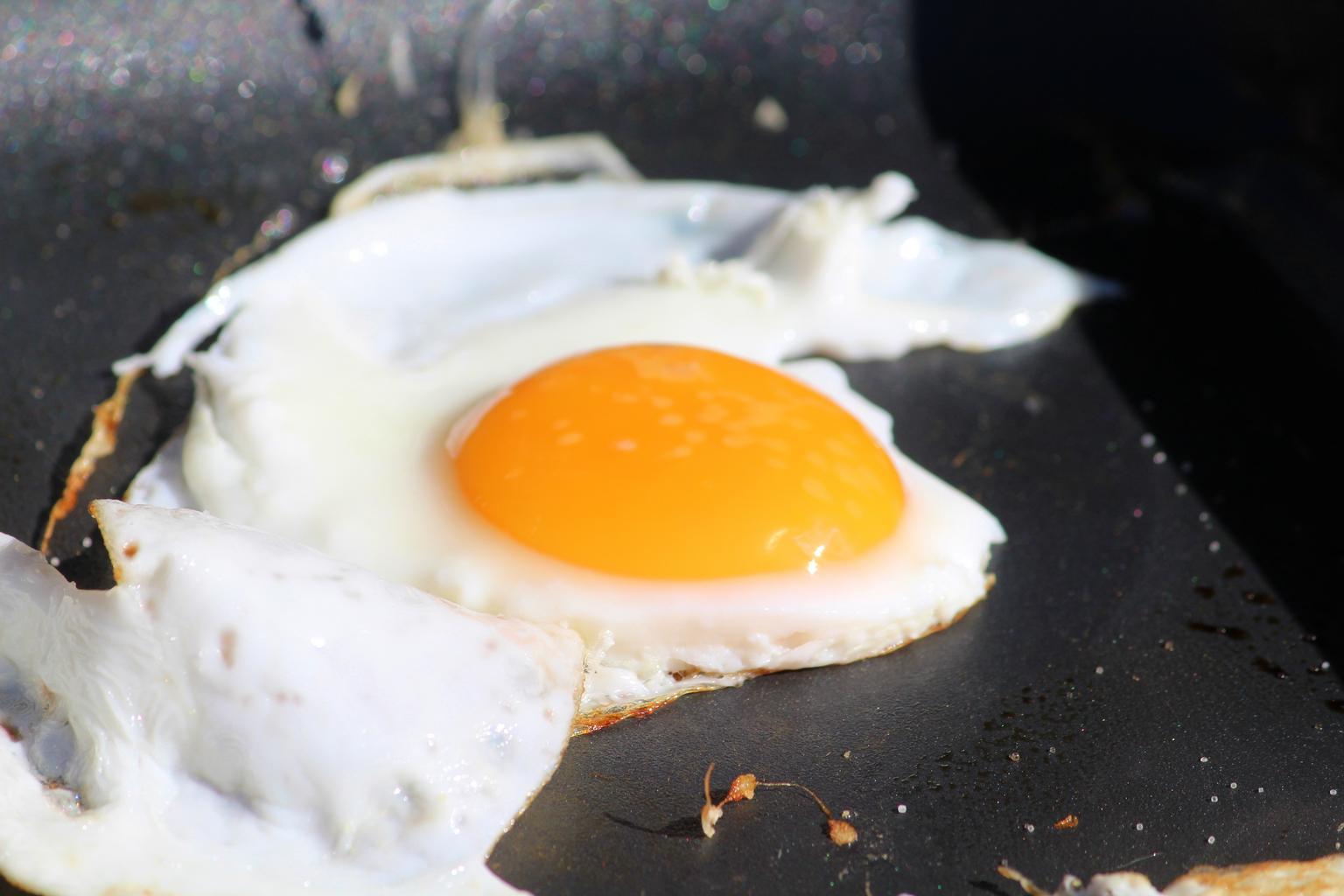 vajce na panvici